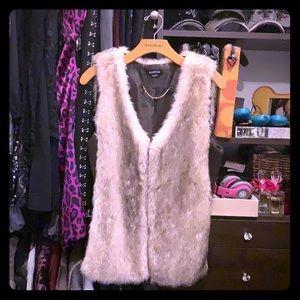 😍💃🏻Bebe faux vest